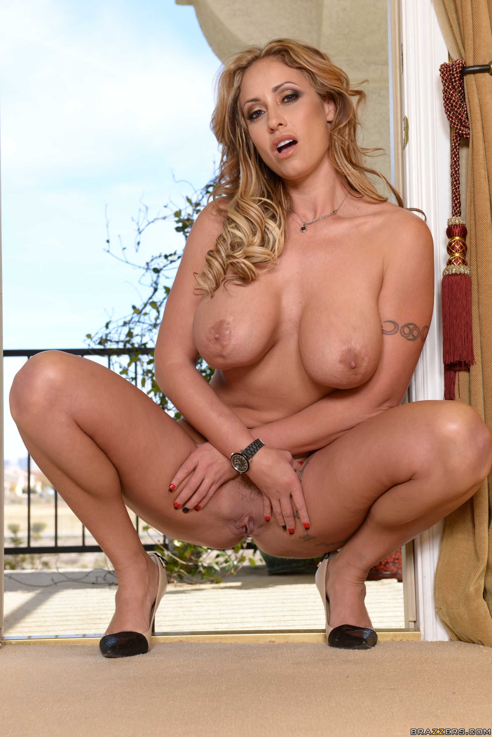 Eva Notty in Milf Squad Vegas: The Stakeout - Brazzers Love